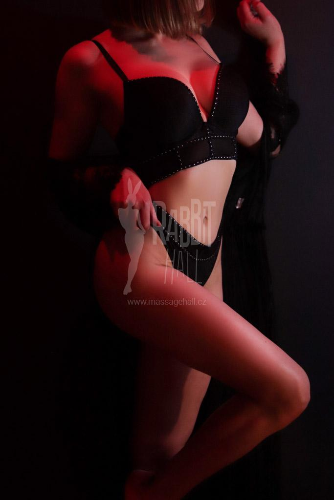 Mia erotic masseuse in Prague