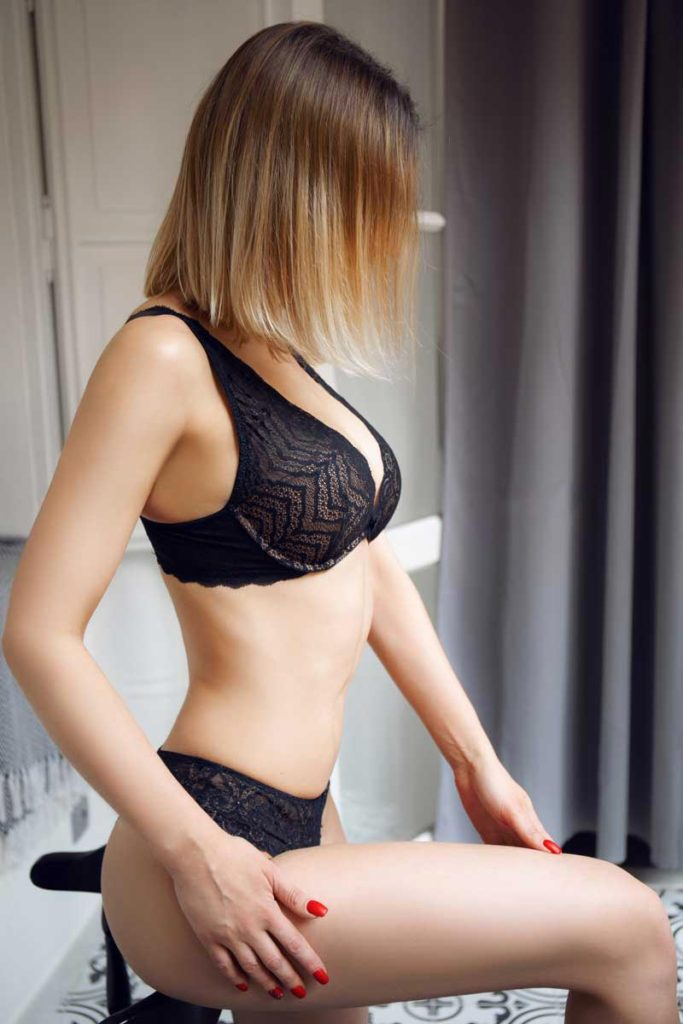 Nicole erotic masseuse in Prague