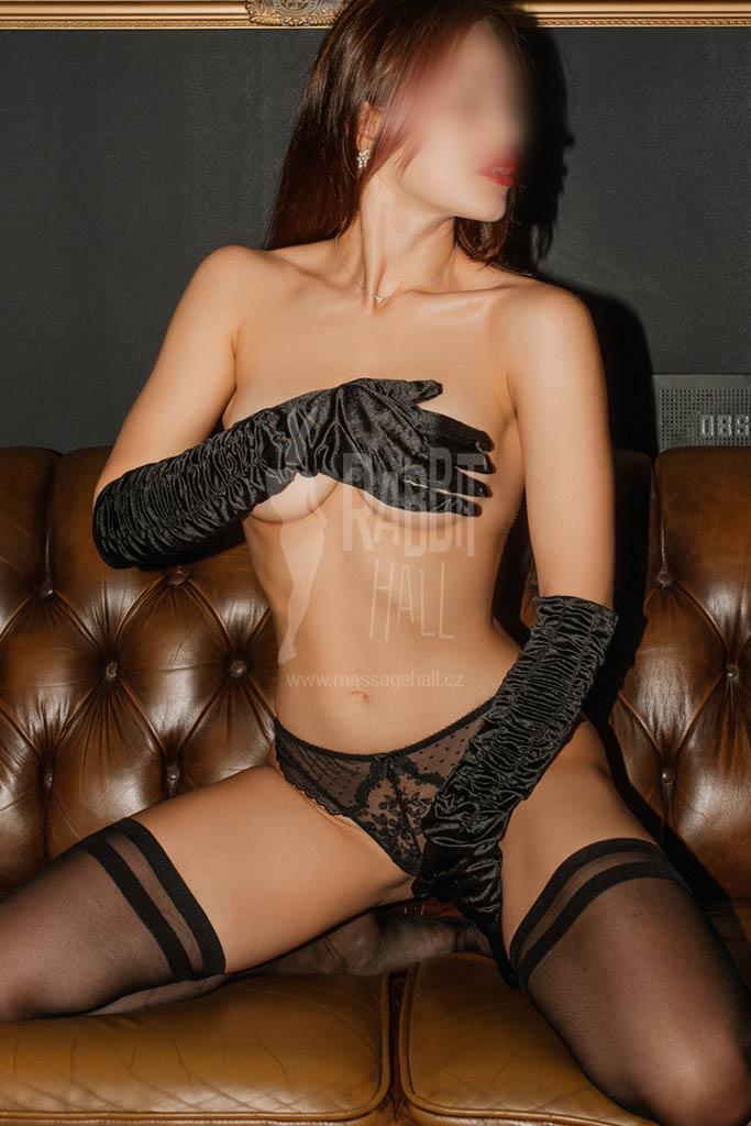 Chloe erotická masérka v Praze