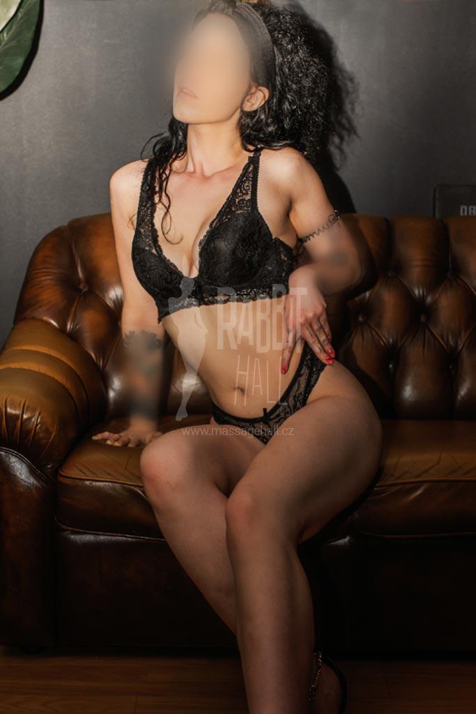 Alisa erotická masérka v Praze
